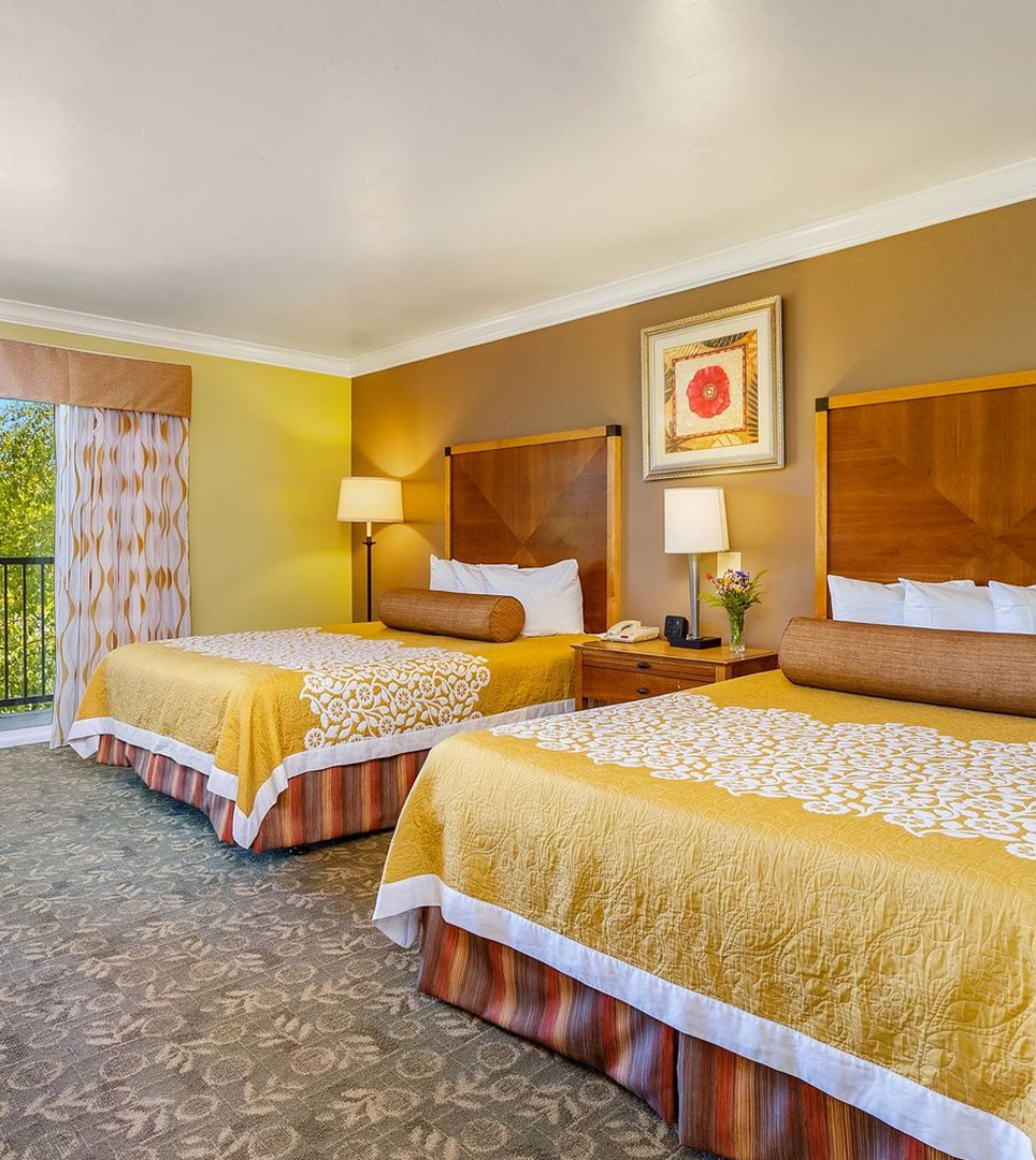 A VARIETY OF COMFORTABLE GUEST ROOMS TO MEET YOUR REQUIREMENTS