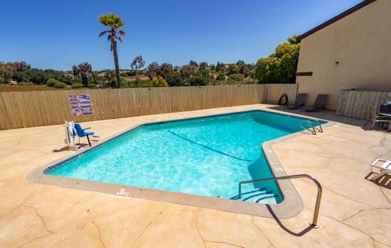 Aloha Inn - Aloha Inn - Swimming Pool